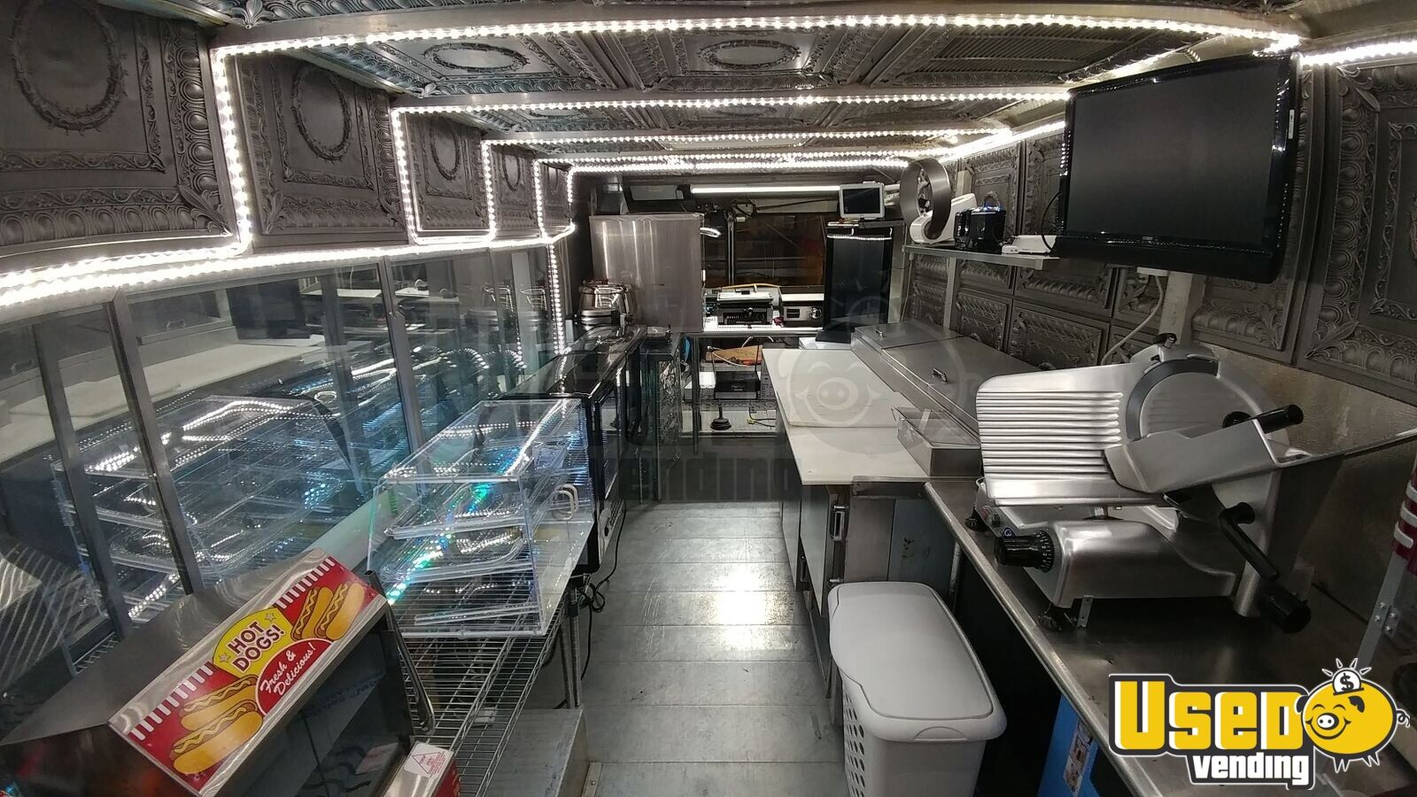 1990 Gmcbox Truck All-purpose Food Truck Hot Dog Warmer Pennsylvania Diesel Engine for Sale - 11