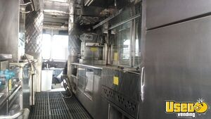 1990 P30 Stepvan Kitchen Food Truck All-purpose Food Truck Stainless Steel Wall Covers New York Gas Engine for Sale