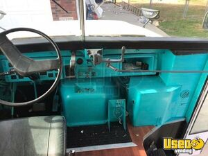 1990 Thomas Mobile Boutique Truck 12 Kentucky Diesel Engine for Sale
