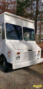 1991 P30 Food Truck All-purpose Food Truck Diamond Plated Aluminum Flooring Tennessee Gas Engine for Sale