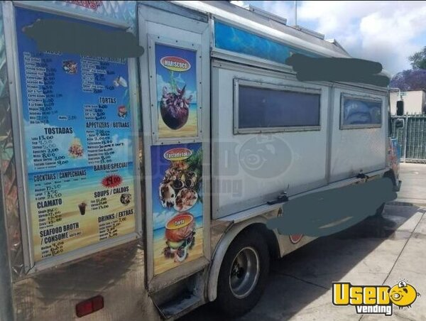 1991 P30 Step Van Barbecue Food Truck Catering Food Truck California Gas Engine for Sale
