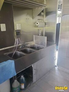 1991 P30 Step Van Kitchen Food Truck All-purpose Food Truck Triple Sink Maryland for Sale