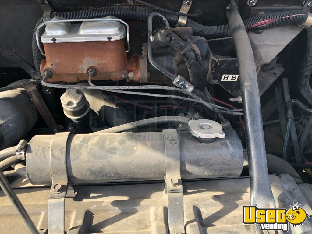 1991 P30 Step Van. Mobile Boutique Truck 27 Arizona Diesel Engine for Sale - 27
