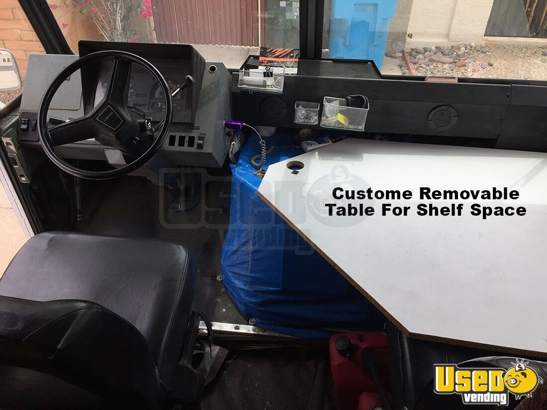 1991 P30 Step Van. Mobile Boutique Truck Transmission - Automatic Arizona Diesel Engine for Sale - 10