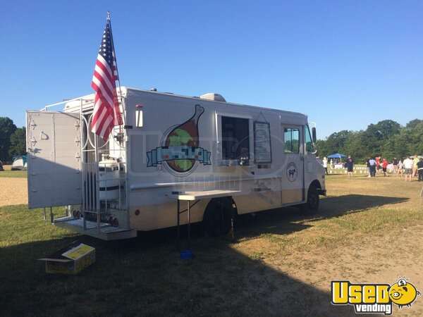 1991 Step Van Kitchen Food Truck All-purpose Food Truck Massachusetts Diesel Engine for Sale