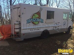 1991 Step Van Kitchen Food Truck All-purpose Food Truck Spare Tire Massachusetts Diesel Engine for Sale