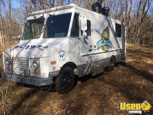 1991 Step Van Kitchen Food Truck All-purpose Food Truck Stainless Steel Wall Covers Massachusetts Diesel Engine for Sale