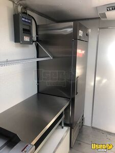 1992 Grumman Step Van Kitchen Food Truck All-purpose Food Truck Stainless Steel Wall Covers Tennessee Gas Engine for Sale