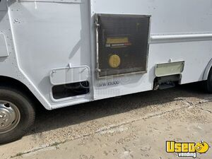 1992 P30 Grumman Olson Workhorse Kitchen Food Truck All-purpose Food Truck Additional 5 Colorado Gas Engine for Sale