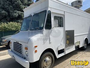 1992 P30 Grumman Olson Workhorse Kitchen Food Truck All-purpose Food Truck Cabinets Colorado Gas Engine for Sale