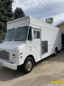 1992 P30 Grumman Olson Workhorse Kitchen Food Truck All-purpose Food Truck Concession Window Colorado Gas Engine for Sale