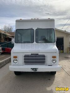 1992 P30 Grumman Olson Workhorse Kitchen Food Truck All-purpose Food Truck Floor Drains Colorado Gas Engine for Sale
