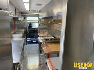 1992 P30 Grumman Olson Workhorse Kitchen Food Truck All-purpose Food Truck Generator Colorado Gas Engine for Sale
