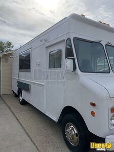1992 P30 Grumman Olson Workhorse Kitchen Food Truck All-purpose Food Truck Spare Tire Colorado Gas Engine for Sale