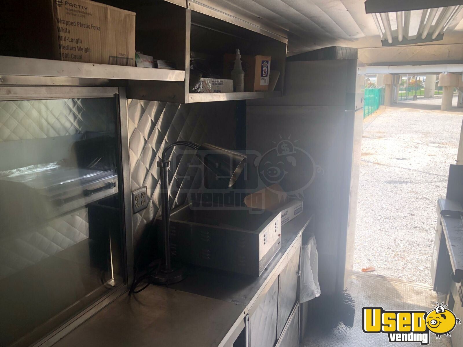 1992 P30 Step Van Kitchen Food Truck All-purpose Food Truck Exterior Customer Counter Louisiana Diesel Engine for Sale - 8