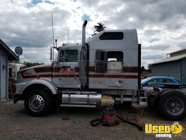 1993 T-800 Sleeper Cab Semi Truck Kenworth Semi Truck Washington for Sale