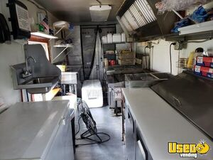 1994 25' P30 Step Van Kitchen Food Truck All-purpose Food Truck Deep Freezer North Carolina Gas Engine for Sale