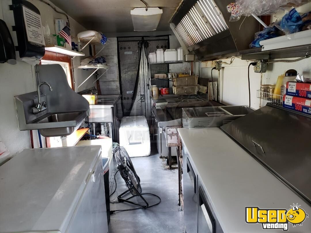 1994 25' P30 Step Van Kitchen Food Truck All-purpose Food Truck Deep Freezer North Carolina Gas Engine for Sale - 8
