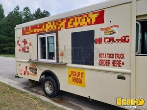 1994 25' P30 Step Van Kitchen Food Truck All-purpose Food Truck Insulated Walls North Carolina Gas Engine for Sale
