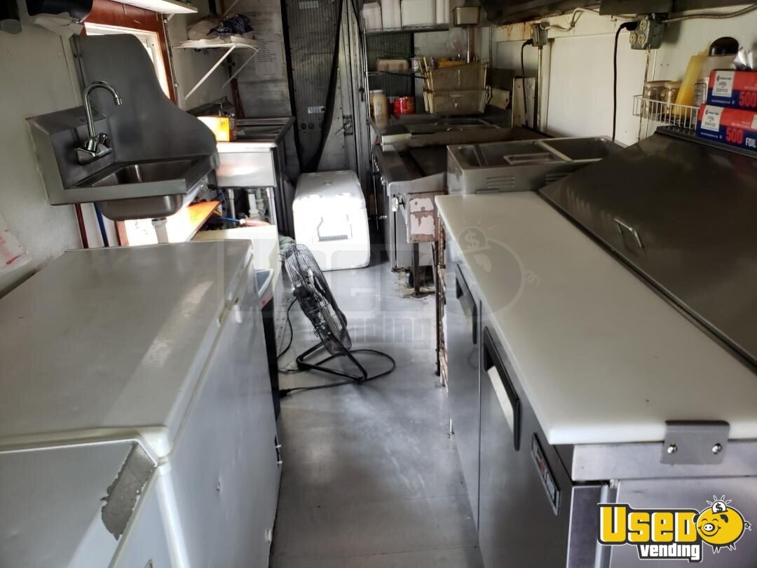 1994 25' P30 Step Van Kitchen Food Truck All-purpose Food Truck Refrigerator North Carolina Gas Engine for Sale - 10