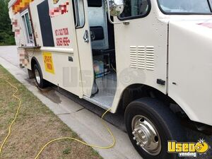1994 25' P30 Step Van Kitchen Food Truck All-purpose Food Truck Shore Power Cord North Carolina Gas Engine for Sale