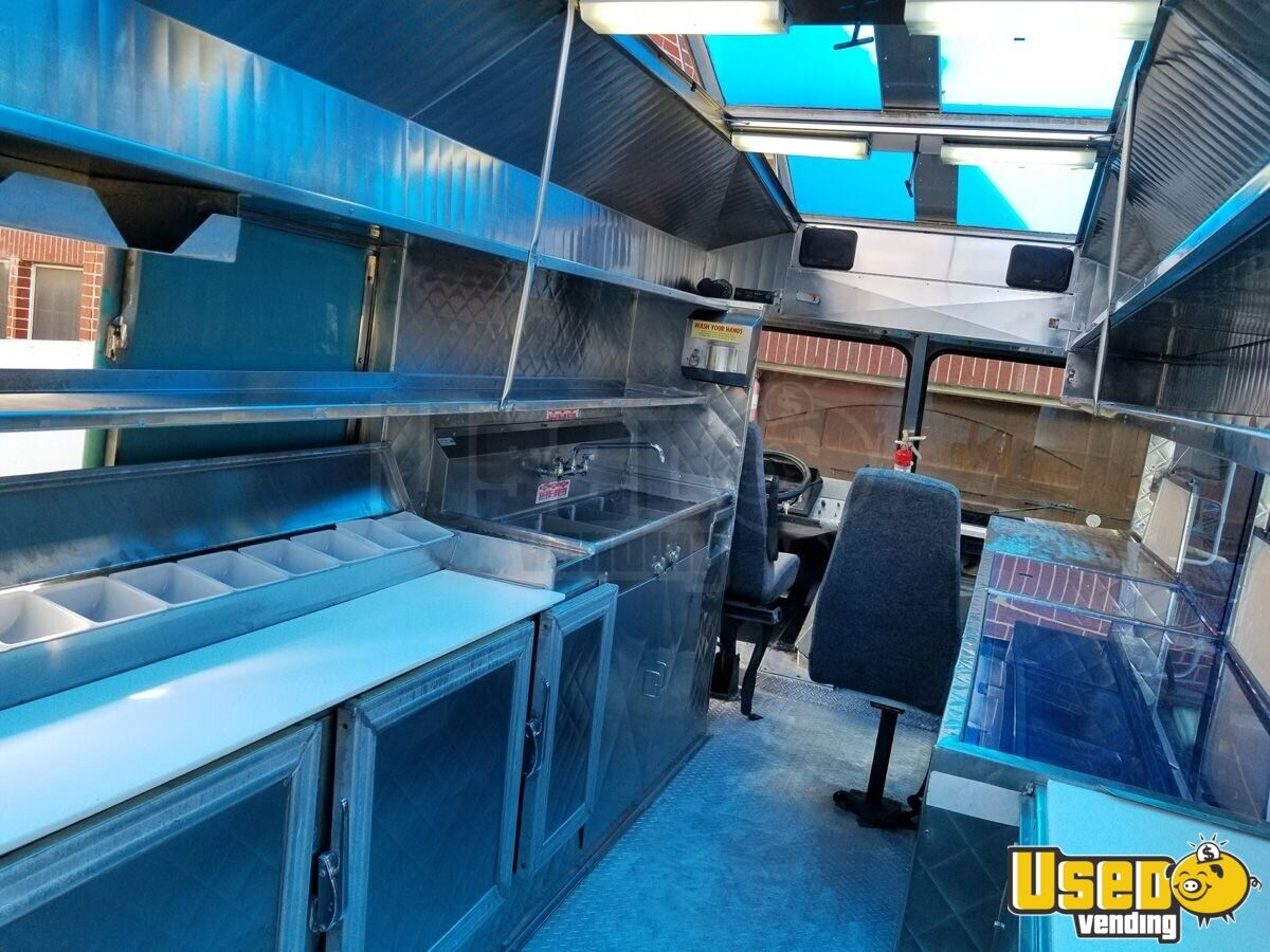 1994 Chevy Step Van P30 Food Truck Flatgrill Texas Gas Engine for Sale - 9
