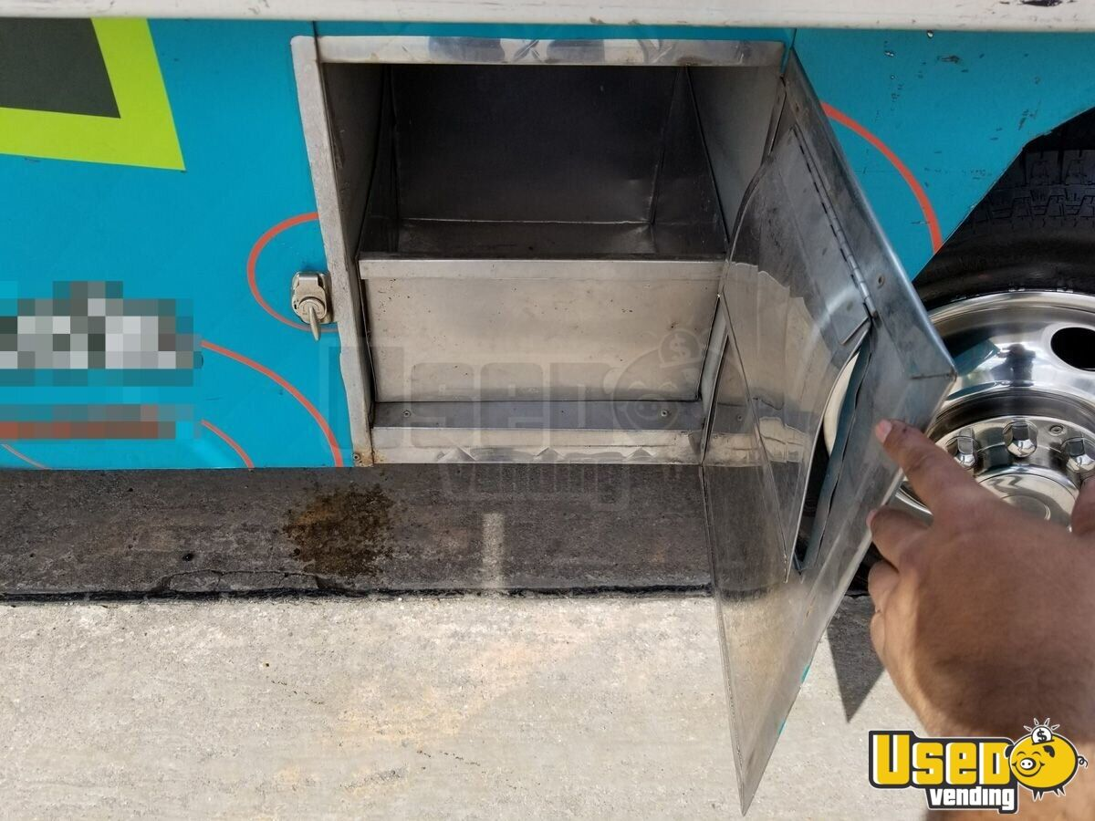 1994 Chevy Step Van P30 Food Truck Oven Texas Gas Engine for Sale - 8
