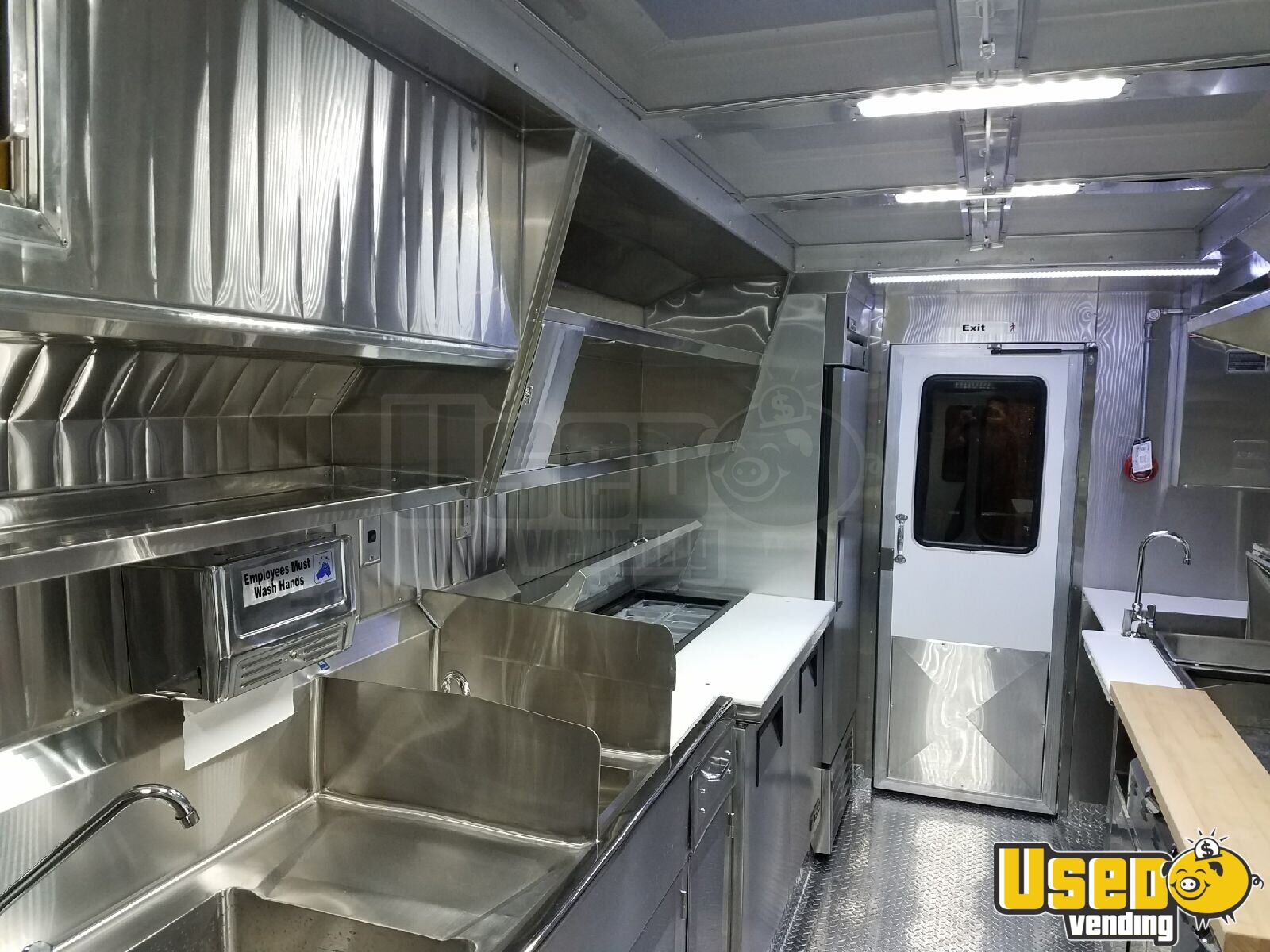 1994 P30 Food Truck All-purpose Food Truck Diamond Plated Aluminum Flooring Oregon Gas Engine for Sale - 6