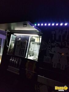 1994 P30 Kitchen Food Truck All-purpose Food Truck Food Warmer New York for Sale