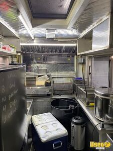 1994 P30 Kitchen Food Truck All-purpose Food Truck Interior Lighting New York for Sale