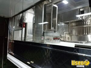 1994 P30 Step Van Kitchen Food Truck All-purpose Food Truck Cabinets California Gas Engine for Sale