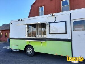 1994 P30 Step Van Kitchen Food Truck All-purpose Food Truck Concession Window Massachusetts Diesel Engine for Sale