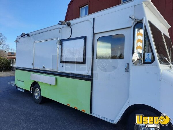 1994 P30 Step Van Kitchen Food Truck All-purpose Food Truck Massachusetts Diesel Engine for Sale