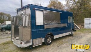 1994 P32 Step Van Kitchen Food Truck All-purpose Food Truck Concession Window Maryland Gas Engine for Sale