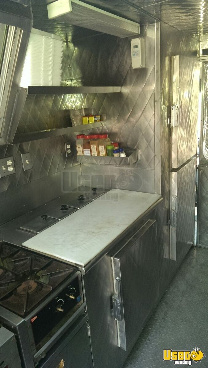 1994 P32 Step Van Kitchen Food Truck All-purpose Food Truck Refrigerator Maryland Gas Engine for Sale - 12