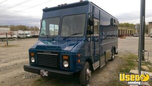 1994 P32 Step Van Kitchen Food Truck All-purpose Food Truck Stainless Steel Wall Covers Maryland Gas Engine for Sale