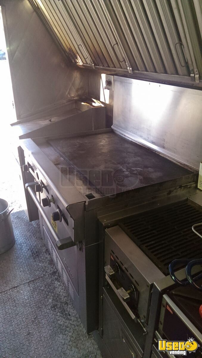 1994 P32 Step Van Kitchen Food Truck All-purpose Food Truck Upright Freezer Maryland Gas Engine for Sale - 10