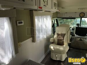 1995 34' Mobile Hair Salon Truck Exterior Lighting Florida Gas Engine for Sale