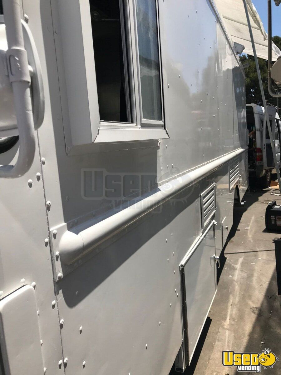 1995 Chevrolet Tx Food Truck Concession Window California Diesel Engine for Sale - 3
