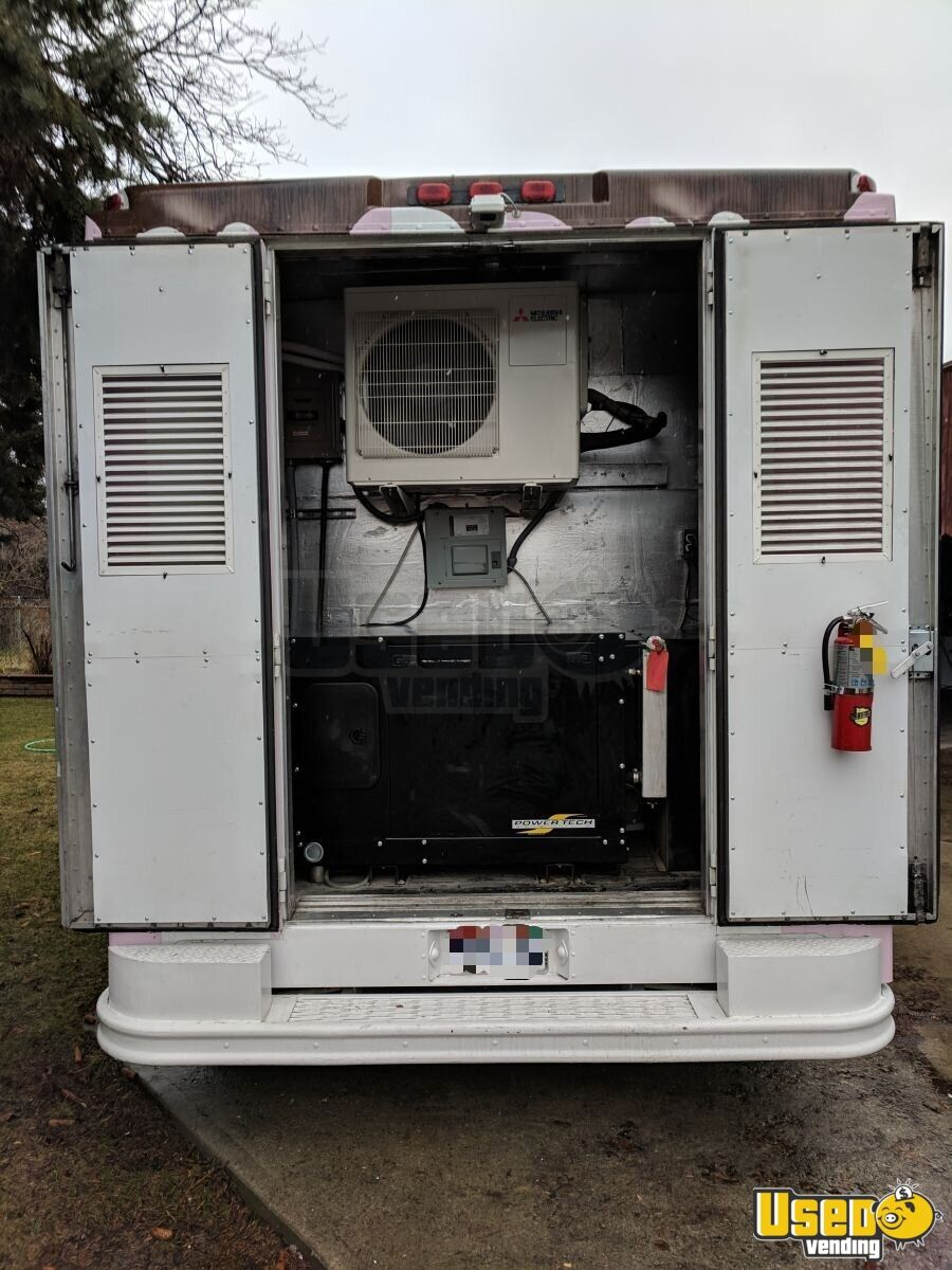 1995 Chevy P30 Food Truck Exterior Customer Counter Utah Diesel Engine for Sale - 6