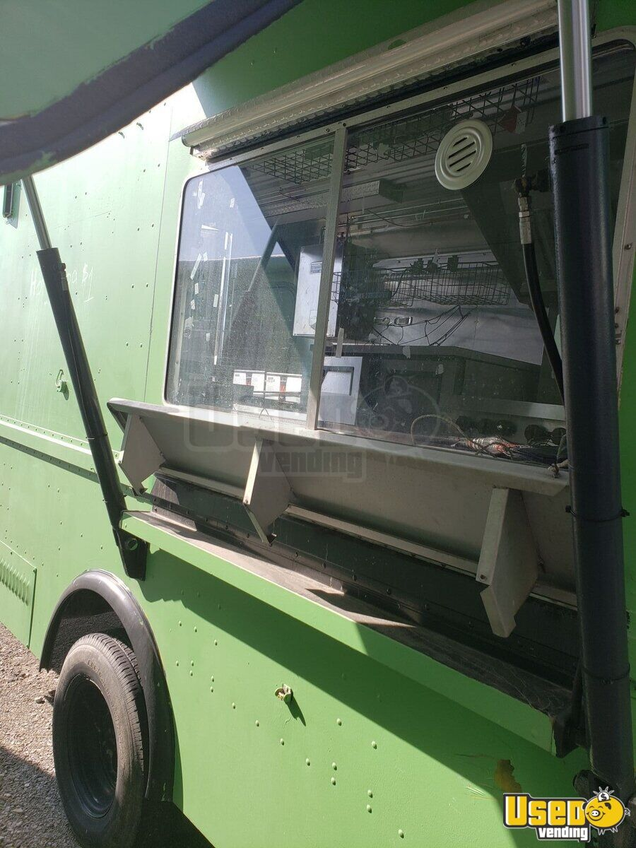 1995 Chevy P30 Utilimaster Food Truck Cabinets Ohio Diesel Engine for Sale - 5