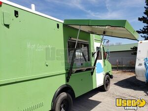 1995 Chevy P30 Utilimaster Food Truck Ohio Diesel Engine for Sale