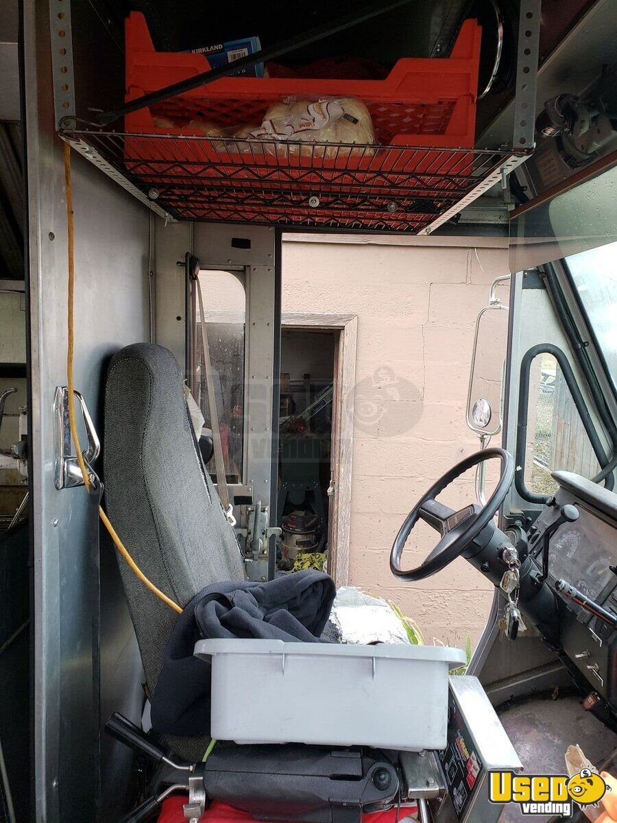 1995 Chevy P30 Utilimaster Food Truck Steam Table Ohio Diesel Engine for Sale - 18