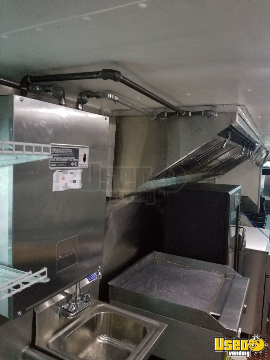1995 Grumman Olson P30 Step Van Kitchen Food Truck All-purpose Food Truck Generator Florida Gas Engine for Sale - 6