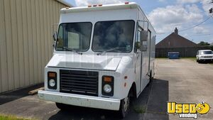 1995 P-30 Step Van Stepvan Cabinets Louisiana Gas Engine for Sale