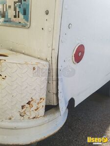 1995 P30 Step Van Kitchen Food Truck All-purpose Food Truck 60 Oklahoma Gas Engine for Sale