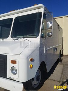 1995 P30 Step Van Kitchen Food Truck All-purpose Food Truck Concession Window Oklahoma Gas Engine for Sale