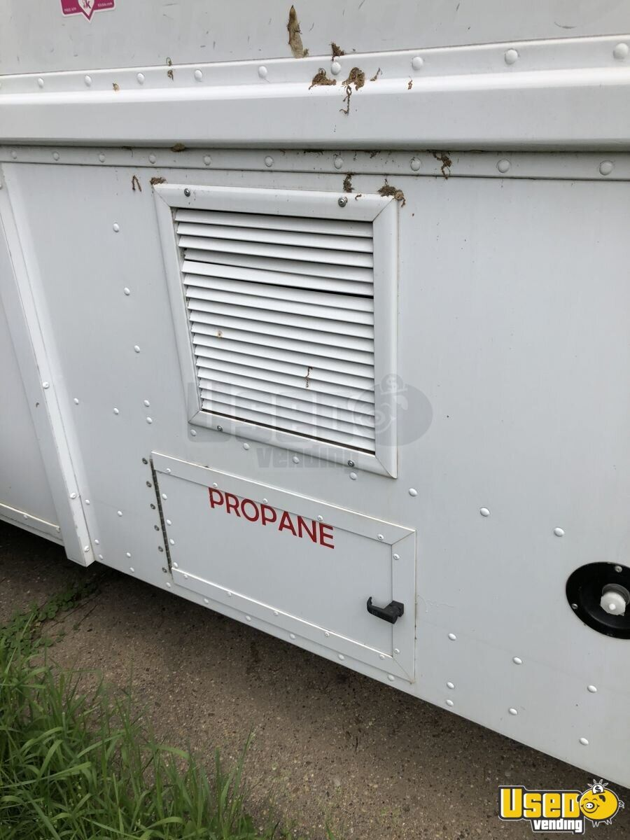 1995 P30 Step Van Kitchen Food Truck All-purpose Food Truck Generator Iowa Gas Engine for Sale - 6