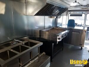 1995 P30 Step Van Kitchen Food Truck All-purpose Food Truck Grease Trap Oklahoma Gas Engine for Sale