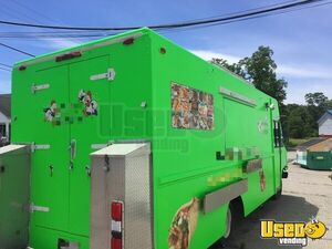 1995 P30 Step Van Kitchen Food Truck All-purpose Food Truck Massachusetts Diesel Engine for Sale